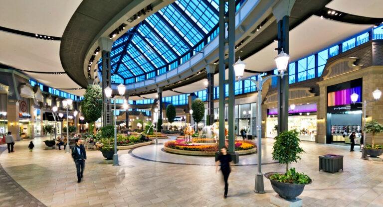 Carrefour Laval - Chomedey